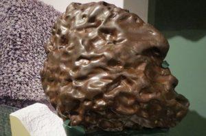 La divinité pierre ou roche manitou selon certaines tribus des Premières Nations.