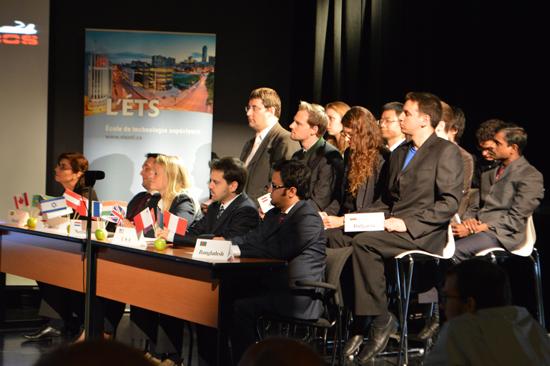 Simulation d'une interaction de délégués internationaux réalisée lors de la présentation du projet d'équipe AMOOS. Source [Img3]