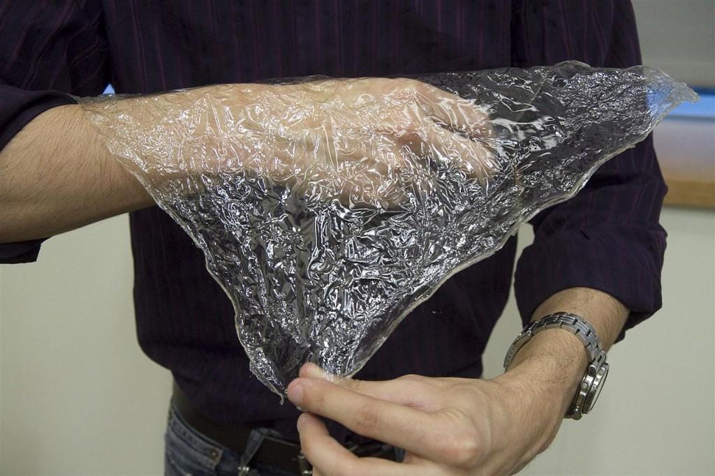 Harvard's Wyss Institute:Turning shrimp shells into plastic