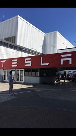 La mission sociale de Tesla est d'amener le monde vers le développement durable.