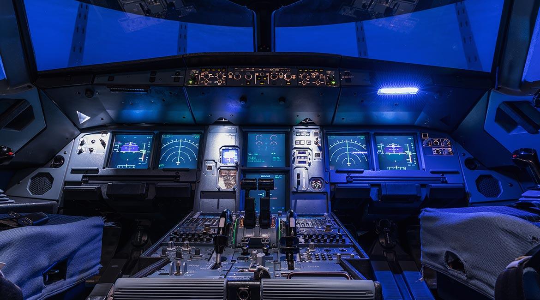 Un cockpit d'avion