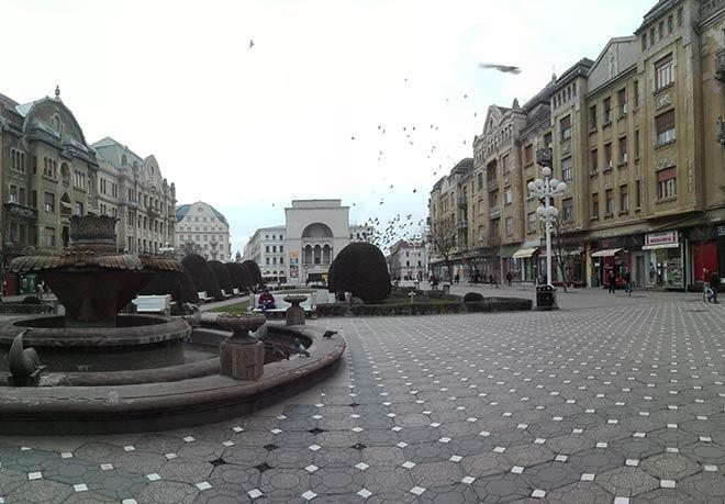 Victoriei Square with the Timisoara Opera in the centre
