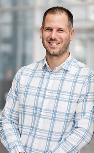 Aris Leivadeas, professeur au Département de génie logiciel et des TI de l'ÉTS