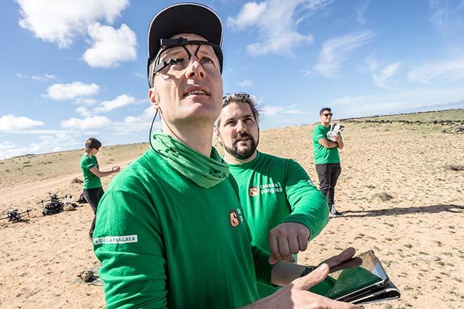 Matthias Maurer pilote un essaim de drones