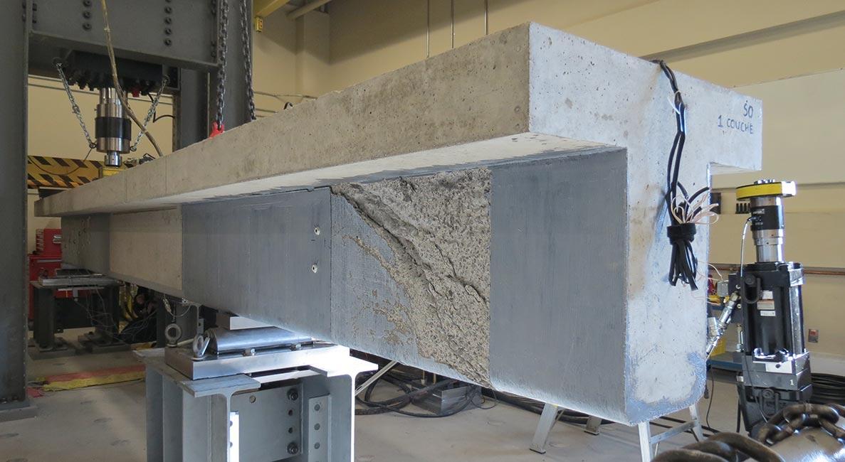Poutre renforcée en matériaux composites avancés