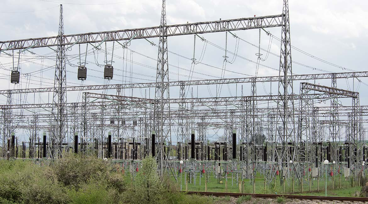High-voltage power plant