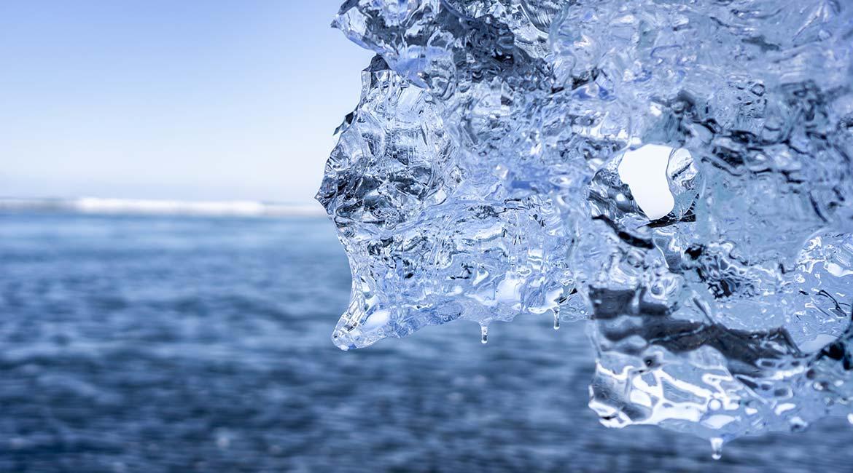 Glacier melting in the sea